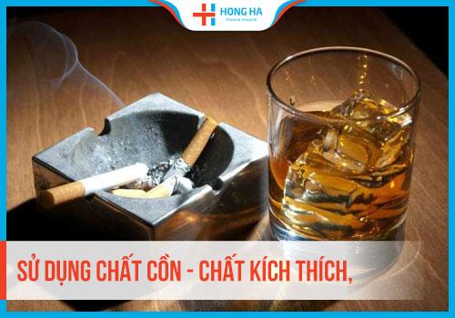 Hút thuốc lá, rượu bia là nguyên nhân chính dẫn đến tinh trùng yếu