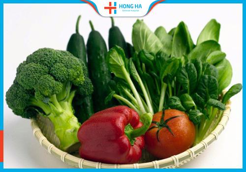Ăn rau xanh sau khi mổ u nang buồng trứng