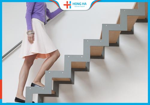 Tránh leo cầu thang