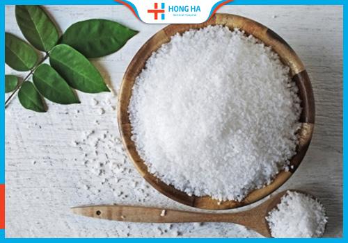 Muối có công dụng điều trị u nang buồng trứng