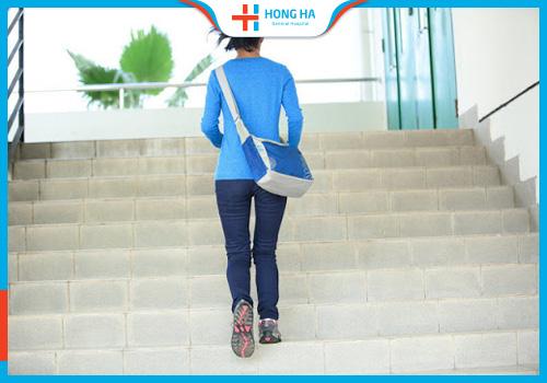 thụ tinh ống nghiệm cần kiêng leo cầu thang