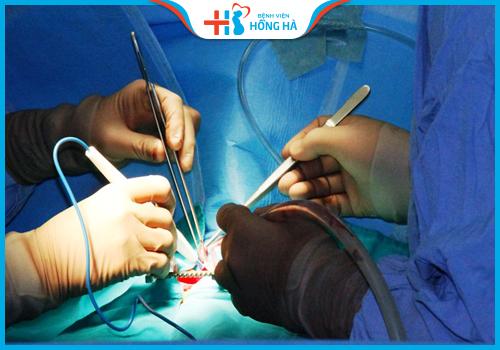 phẫu thuật u nang bì buồng trứng