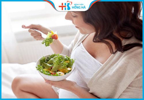 thực phẩm ăn uống sau chọc hút trứng