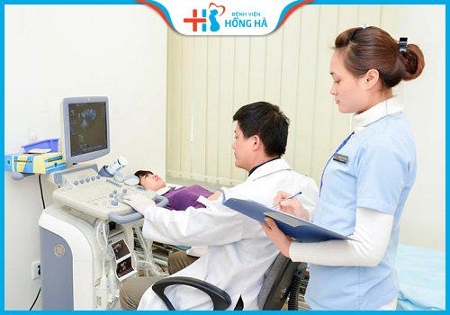 siêu âm trước khi thục hiện điều trị viêm lộ tuyến bằng RFA