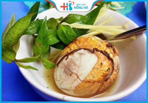 ăn rau răm với trứng vịt lộn khiến món ăn ngon hơn