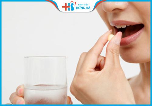 cần uống thuốc đầy đủ khi điều trị viêm lộ tuyến