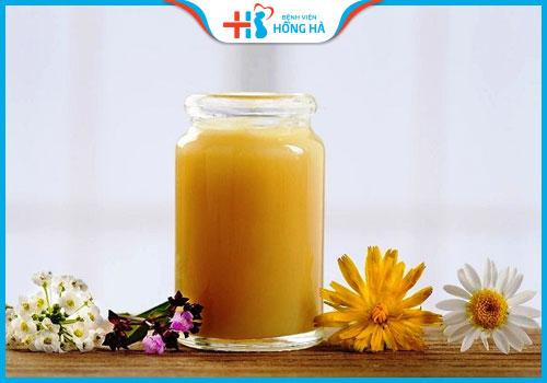sữa ong chúa trong điều trị vô sinh
