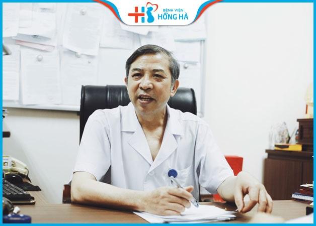 Bác sĩ mát tay Vũ Bá Quyết thành thạo trong kỹ thuật IVF