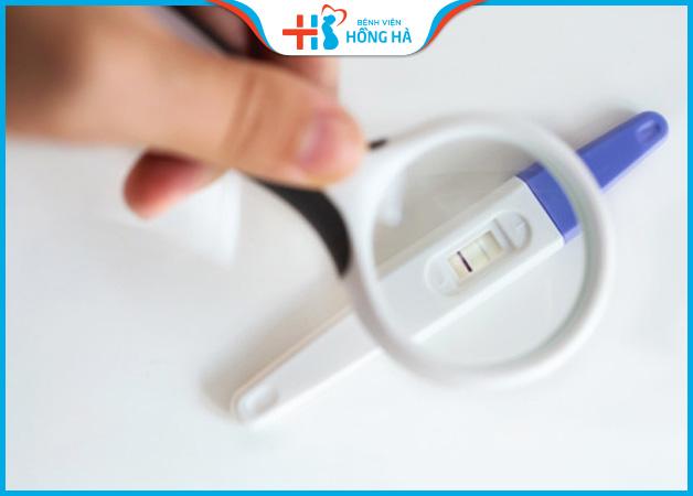 Que thử thai hiển thị 1 vạch sau bơm tinh trùng 2 tuần