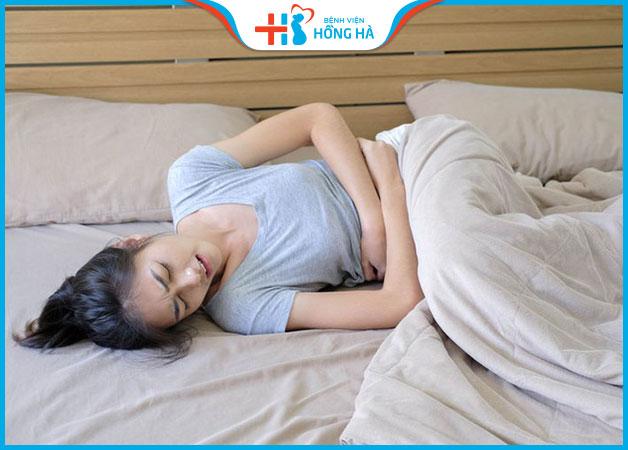 Sau khi bơm thuốc rụng trứng bị đau bụng có nguy hiểm không