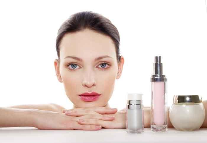 Sử dụng mỹ phẩm không tốt cho phụ nữ trong quá trình tiêm kích trứng